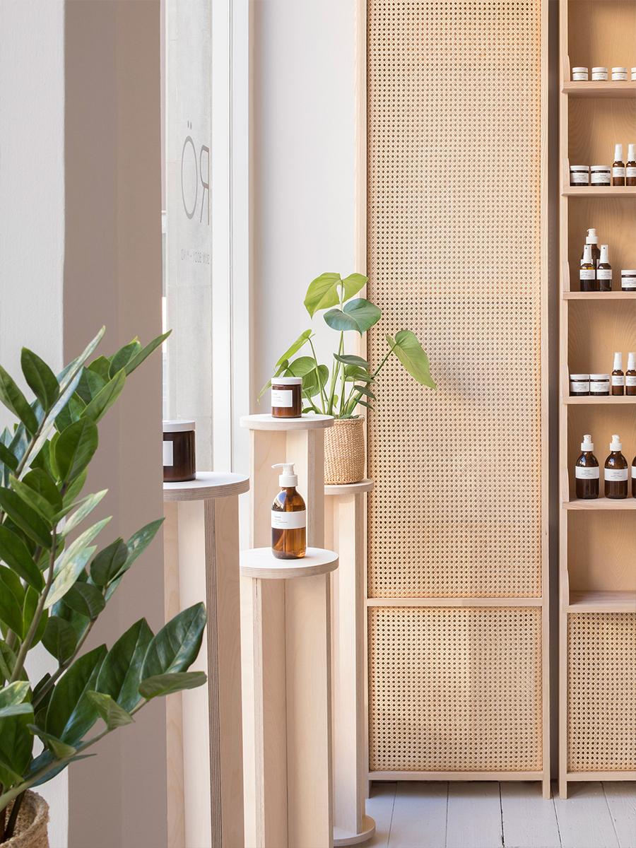 08-CODE-STUDIO_tiendas_interiorismos_RÖ_Skin_Stamford_O'Sullivan_Skoufoglou_Architects_blog