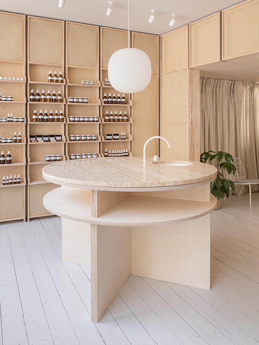 09-CODE-STUDIO_tiendas_interiorismos_RÖ_Skin_Stamford_O'Sullivan_Skoufoglou_Architects_blog